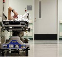 Londono ligoninės priimamajame: 4 valandos laukimo ir kančios be gydytojų dėmesio
