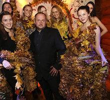 Modestas Vasiliauskas pristatė sukneles iš rudeninių lapų