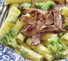 Makaronai su sūriu ir brokoliais