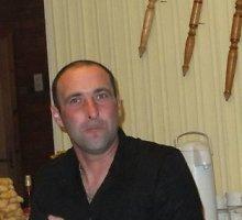 Vogtus automobilius Airijoje ardęs Nerijus Flederis pats gyveno apšnerkštame vagonėlyje