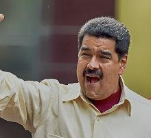 Venesueloje surinkta beveik 2 mln. parašų už prezidento atšaukimą
