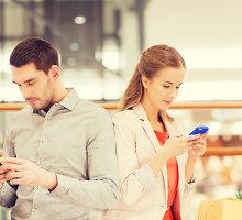 Skaitmeninė meilė: kai santykiai rutuliojasi tarp pasimatymų