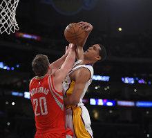"""Donatas Motiejūnas """"Rockets"""" ekipai padėjo nugalėti """"Lakers"""""""