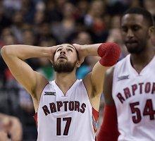 Net ir susižeidęs Jonas Valančiūnas dvigubu dubliu prisidėjo prie Toronto pergalės NBA