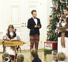 """Garsūs muzikantai padėjo Daliai Grybauskaitei paskelbti """"Knygų Kalėdų"""" pradžią"""