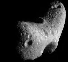Grėsmę Žemei keliantis asteroidas – daugybės kartu skriejančių skeveldrų flotilė