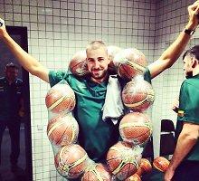 Jonas Valančiūnas Liublianoje pasipuošė krepšinio kamuolių karoliais