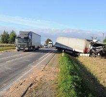 Dėl avarijos draudžiamas eismas kelyje Marijampolė-Kybartai-Kaliningradas