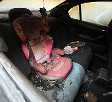 Kraupi avarija kelyje Kaunas–Zarasai: po smūgio į miškovežį mašinoje sudegė du žmonės