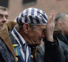 Išgyvenusieji po 70 metų grįžta į Aušvicą, atkreiptas dėmesys į antisemitizmo augimą