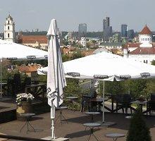 Kavinė Vilniaus Subačiaus gatvėje leidimo statyboms neturi, bet Statybų inspekcijai nerūpi