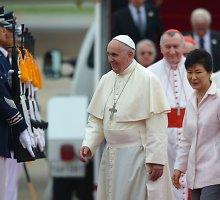 """""""Islamo valstybės"""" džihadistai grasina nužudyti popiežių Pranciškų"""