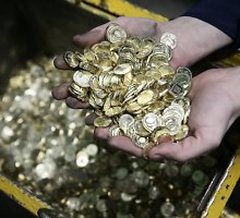 Eilinis juodasis rublio penktadienis: už JAV dolerį prašoma 57,49 rublio, už eurą – 71,23