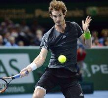 Andy Murray trūksta pergalės iki vietos baigiamajame turnyre Londone