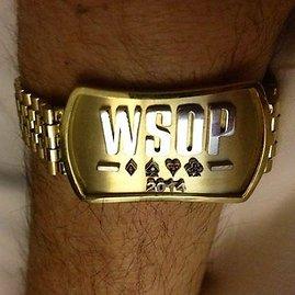 pokerstarsblog.com nuotr./Chadui Brownui įteikta WSOP garbės apyrankė