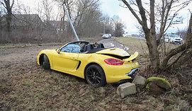 """Girtas vairuotojas Vilniuje sudaužė prašmatnų """"Porsche"""""""