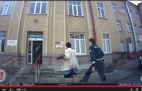 Dramatiškai Vilniaus policijos gelbėto mažylio diagnozė: užkritus televizoriui lūžo kaukolė