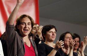 """Ispanijos vietos rinkimuose """"Indignados"""" triumfavo Barselonoje, gali vadovauti ir Madridui"""
