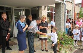 Rugsėjo 1-oji Kauno apskrityje: pareigūnai sveikino mokinius