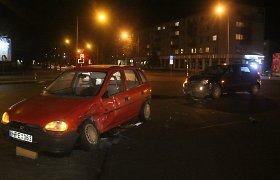 Panevėžyje susidūrė vos prieš dvi savaites teises gavusi mergina ir patyręs vairuotojas