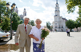 """60-ties metų santuokos jubiliejų mininti kauniečių pora: """"Šeimas ardo užsispyrimas"""""""