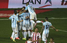 """Argentina žengė į """"Copa America"""" finalą sutriuškindama Paragvajų 6:1"""