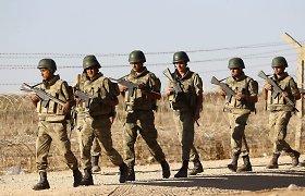 Turkija smogė kurdų ir Basharo al Assado pajėgoms Sirijoje