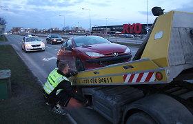Panevėžio kelių policijos dėmesį keistais manevrais patraukusi vairuotoja vengė tikrintis blaivumą