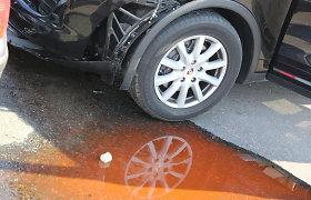 Draudikų istorijos: kokius nuostolius Klaipėdoje padarė trimetis automobilio vairuotojas?