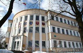 Šiaulių rajone dalis buvusios valdžios nuleista į be proto brangų Kuršėnų viešąjį tualetą