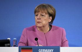 Angela Merkel sako esanti pasibaisėjusi Rusijos aviacijos bombardavimais Sirijoje