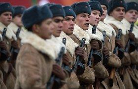 Šveicarija negali apsispręsti, ar siųsti šalies valdžią į gegužės 9-osios paradą Maskvoje