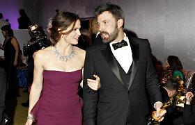 Apie skyrybas pranešę Benas Affleckas ir Jennifer Garner dėl vaikų ir toliau gyvens po vienu stogu
