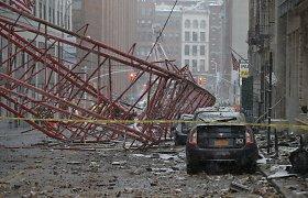 Košmarišką akimirką Niujorke matęs liudininkas: nespėjau susivokti, kai kranas jau gulėjo parvirtęs