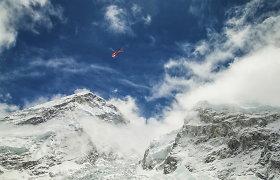 Dėl tragiško žemės drebėjimo Nepale alpinizmo biurai atšaukia kopimus į Everestą