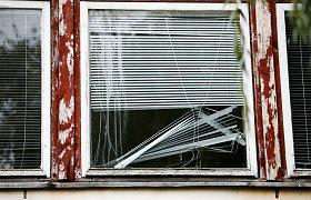 Vilniuje benamių išgertuvės apleistame name baigėsi peilių dūriais