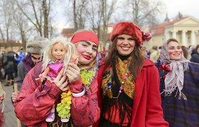 Vilniaus centre Užgavėnių persirengėliai į šventės šurmulį įtraukė ir prezidentę