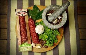 Mėsos prieskoniai: baravykai, kadagio uogos ir... romas?