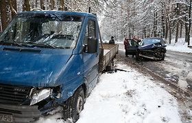 """Kaune susidūrė """"Renault"""" ir """"Mercedes"""""""