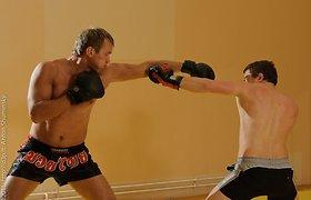 Sidabriniam sezonui Jevgenijus Šuklinas rengėsi ir bokso salėje