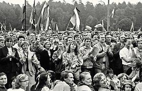 Po 25 metų: žvilgsnis į didžiausią Sąjūdžio mitingą, kuriame lietuviai vėl pasijuto istorijos verta tauta