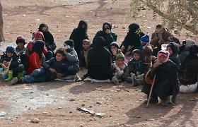 Iš Rusijos karo lėktuvų bombarduojamo Alepo miesto plūsta pabėgėliai