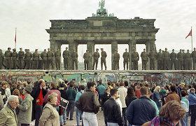 Naktis, kai griuvo Berlyno siena: kaip vyko viena greičiausių revoliucijų istorijoje