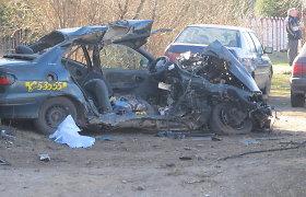 Kraupią avariją sukėlęs Utenos kelių erelis Mantas Šironas bus teisiamas už piktybinę trigubą žmogžudystę