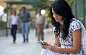 Britai siekia sukurti vandeniliu įkraunamus išmaniuosius telefonus