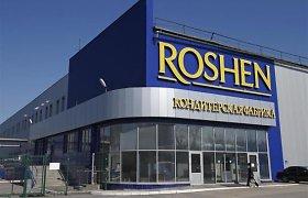 """Rusijoje OMON krečia Petro Porošenkai priklausantį """"Roshen"""" fabriką"""