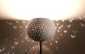 Nauji išradimai: lempą galima pasigaminti ir iš plastikinių butelių ar bananmedžio lapų