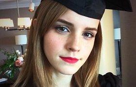 Filmų apie Harį Poterį žvaigždei Emmai Watson įteiktas bakalauro diplomas