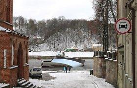 """Motorinė jachta """"Rei"""": dizainerio Luko Avėno instrumentas upėms masažuoti"""