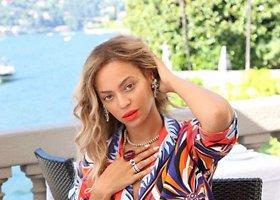 Beyonce su šeima Paryžiuje ir prie Komo ežero Italijoje